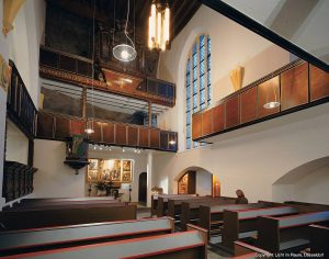 Felsenkirche Innen